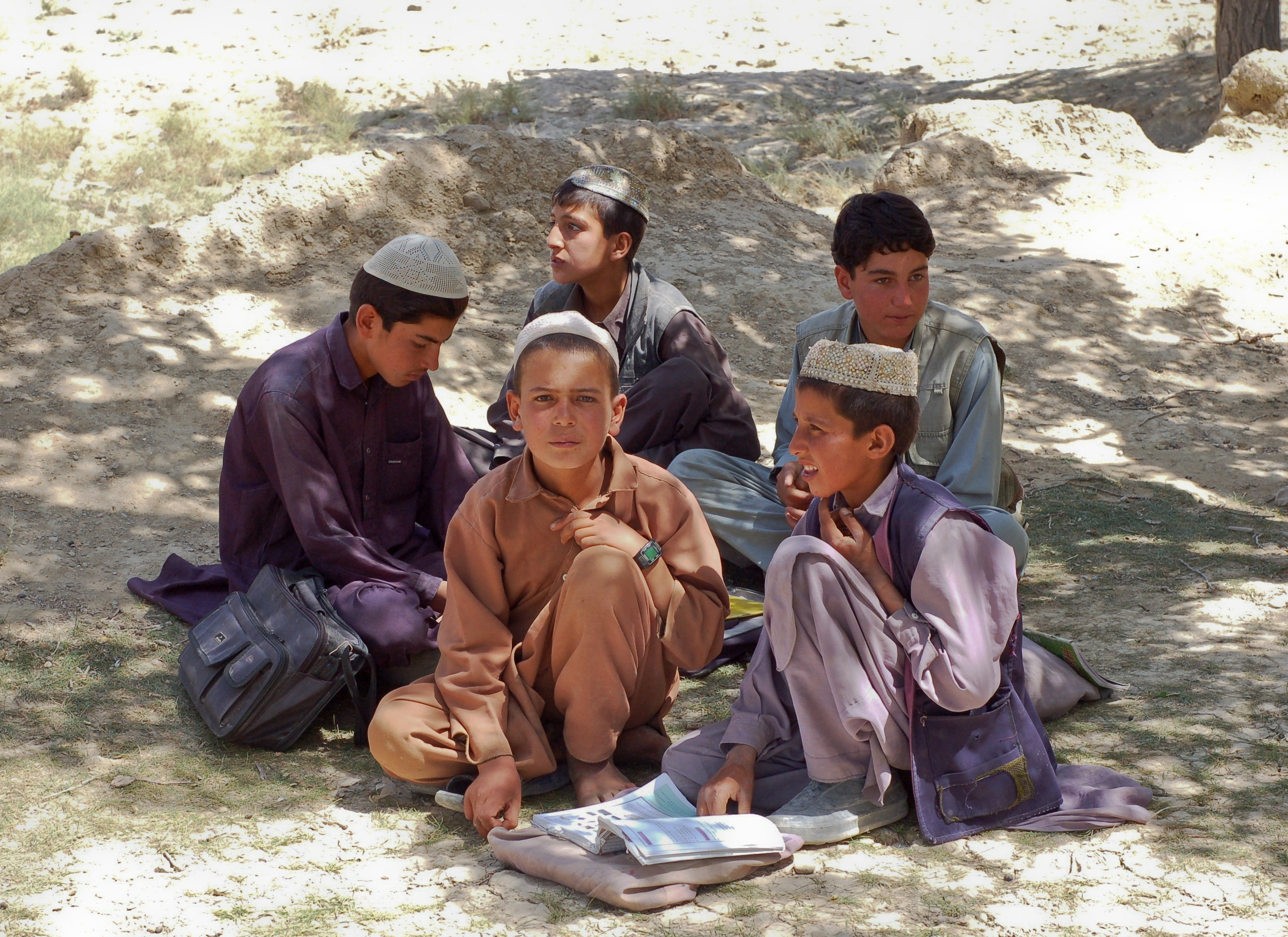 boys_schoolboys_bamozai